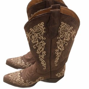 Corral teen brown boots size 4
